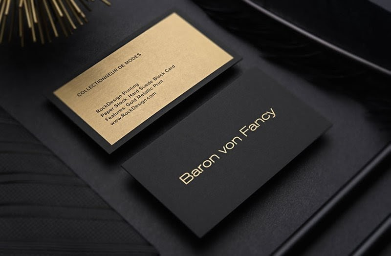 Name card được in trên giấy Bristol